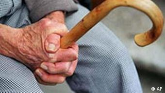 Rentner mit Gehstock, Sozialreform, Rentenreform, Rente
