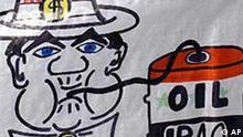 Plakat von Demonstranten gegen die Irak Geberkonferenz in Madrid, USA saugt Öl aus dem Irak ab