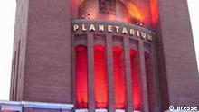 Das illuminierte Planetarium in Hamburg