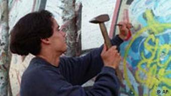 Galerie Berliner Mauer: Mauerspechte