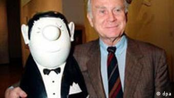 Vicco von Bülow, aka Loriot, with his puppet character