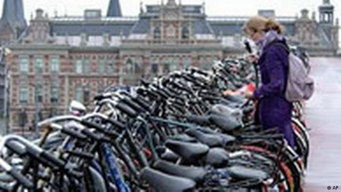 Fahrräder in Amsterdam (AP)