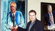 Albrecht Gehse in front of Kohl's portrait