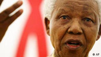 Südafrikas erster schwarzer Präsident Nelson Mandela (Foto: AP)