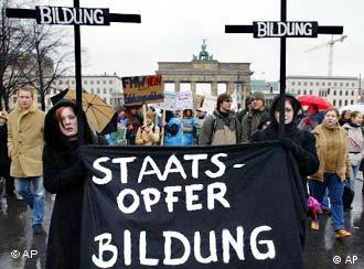 Would German students be willing to care for others to pay for college?