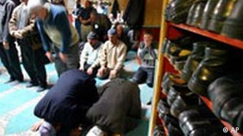 Türken in Deutschland Moschee in Berlin Gebet