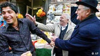 Türken in Deutschland Männer auf der Straße