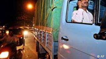 Indischer LKW Fahrer