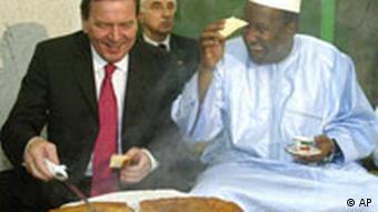 Afrika-Reise Bundeskanzler Gerhard Schröder mit Alpha Oumar Konare in Addis Abbeba