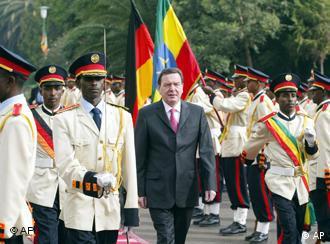 Chanceler alemão é recebido em Addis Abeba