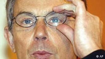 Tony Blair mit Brille