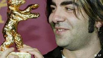 Fatih Akin mit dem Goldenen Bären, Berlinale 2004