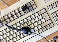 Wallraff desenmascaró los turbios negocios de empresas apoyadas por la industria telefónica.