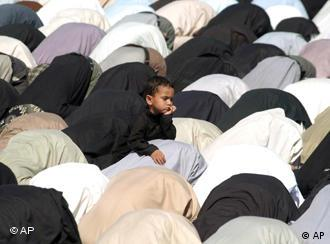 The proposal would have Moslems pray in German