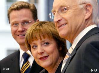Лидеры оппозиции - партий ХДС, ХСС и СвДП.