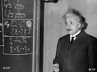 Prof. Albert Einstein at the meeting of the American Association for the Advancement of Science in the auditorium of the Carnegie Institue of Technology Little Theater at Pittsburgh, Pa., on Dec. 28, 1934