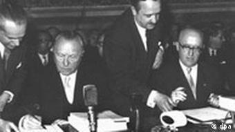 Bildgalerie 50 Jahre Römische Verträge Bild 2 Unterzeichnung