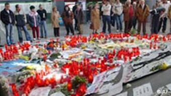 Kerzen für Terroropfer in Madrid