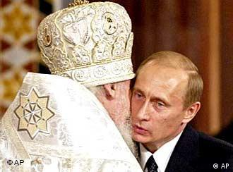 Президент и патриарх. 11 апреля 2004 года.