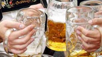 Münchner Oktoberfest - Die Mass Bier soll Sieben Euro kosten