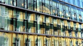 reflection of Munich Re headquarters