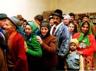 Família rom, na Romênia