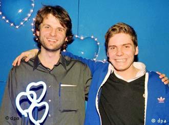 O diretor Weingartner ao lado do ator Daniel Brühl