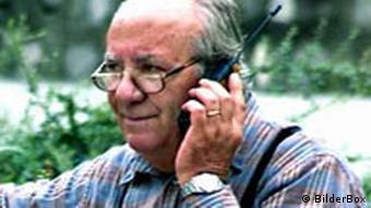 Pensionist mit Handy