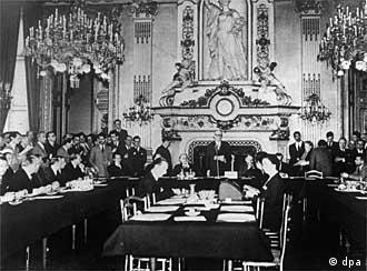Pariz. 9.maj 1950. (Robert Šuman predstavlja plan ov fomiranju nadnacionalne za ugalj i čelik).