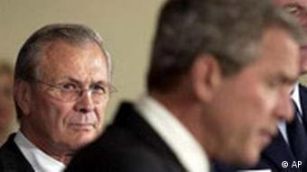 George Bush bei Rumsfeld in Pentagon