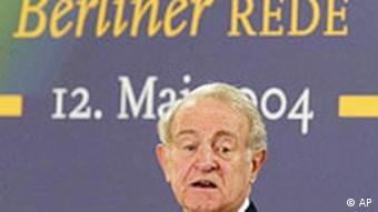 Bundespräsident Johannes Rau hält seine letzte Berliner Rede, 2004