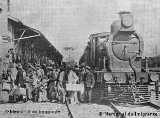 Imigrantes desembarcam em São Paulo em 1907. Foto: Memorial do Imigrante