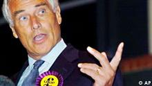 Former Labour MP and more recently a controversial television presenter, Robert Kilroy Silk celebrates in Northampton, central England Monday June 2004, after winning a seat for the UK Independence Party in the European Parliament elections. The UKIP which campaigns for Britains withdrawal from the EU and an end to mass immigration made major gains in the elections. (AP Photo/Chris Radburn , PA) ** UNITED KINGDOM OUT - MAGS OUT - NO SALES **