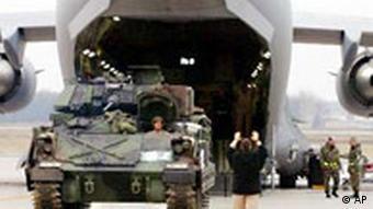 US Soldaten in Deutschland Flugzeug und Panzer Ramstein