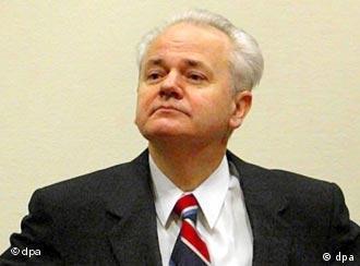 Hatte bereits starke gesundheitliche Probleme: Slobodan Milosevic (Archiv)