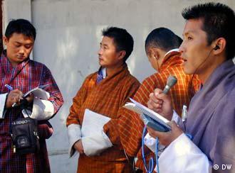DW-AKADEMIE: Journalistisches Handwerk für Radiomacher in Bhutan