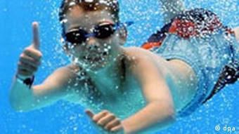 Kevin im Schwimmbad von Gelsenkirchen