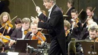 Herbert Blomstedt conducts the Leipzig Gewandhaus Orchestra