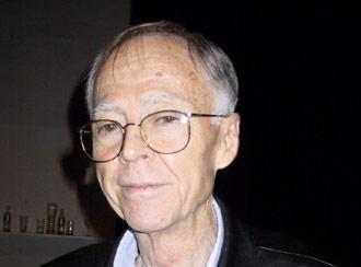 Professor Ênio Klein, consultor da Abicalçados