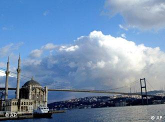 Turkey might be the bridge between East and West needed now more than ever