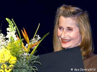 الفریده یلینک، برندهی نوبل ادبیات در سال ۲۰۰۴