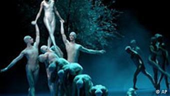 Сцена из балета Сон в летнюю ночь в постановке Джона Ноймайера