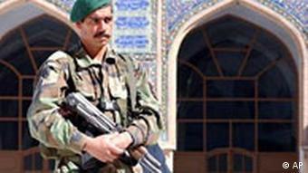 Wahlen in Afghanistan Soldat