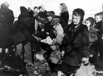 Exiles from Poland upon arrival in Germany after WWII