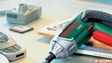 Bohrschrauber Ixo von Bosch Beschreibung: Handys haben ihn, Laptops haben ihn, Digitalkameras auch. Und jetzt haben ihn sogar Bohrschrauber. Der neue Ixo von Bosch ist nicht nur extrem handlich und leistungsstark, er hat auch als erstes Elektrowerkzeug der Welt einen Lithium-Ionen-Akku. Keine Selbstentladung, kein Leistungsverlust - der Ixo ist stets bereit, wenn er gebraucht wird.
