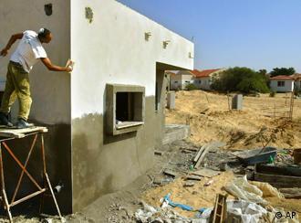 Ein Bild aus anderen Tagen: Hausbau im Gazastreifen