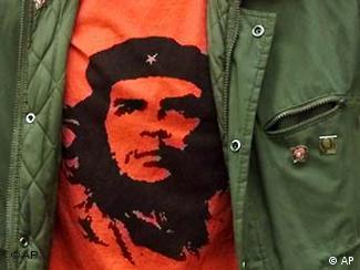 Camiseta com a legendária imagem de Che criada pelo artista irlandês Jim Fitzpatrick
