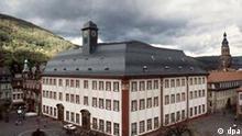 Blick auf das historische Gebäude der Universität in Heidelberg, die 1986 ihr 600-jähriges Bestehen feierte. (Aufnahme vom 24.10.1986).