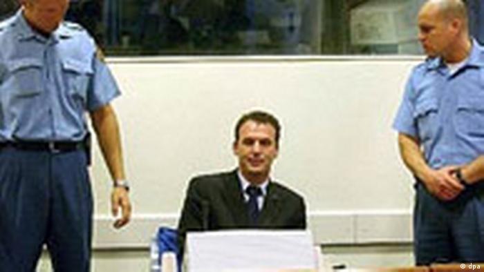 Kosovo-Albaner Fatmir Limaj vor dem UN-Tribunal in den Haag (dpa)