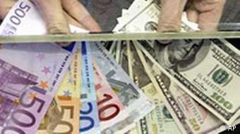 Wechselstube mit Dollar und Euro Geldscheine